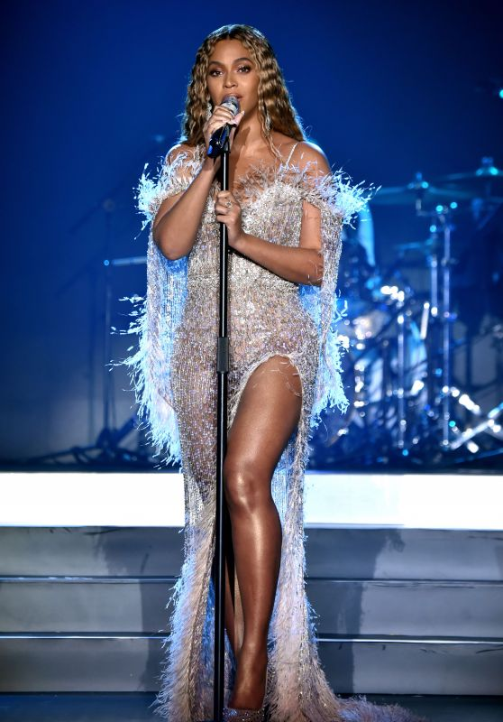 Beyonce Performs at the City of Hope Spirit of Life Gala 2018 in Santa Monica