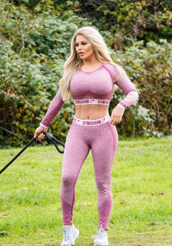 Bianca Gascoigne - Out Walking Her Dog in Park in Kent 10/09/2018