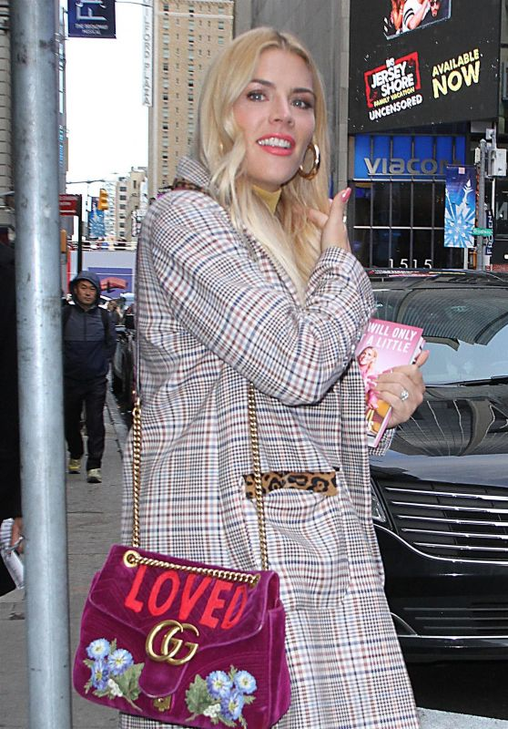 "Busy Philipps – Leaving ""GMA Day"" in NYC 10/12/2018"
