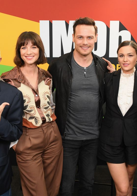 "Caitriona Balfe, Sophie Skelto, Sam Heughan, Richard Rankin - ""Outlander"" at the IMDb at NYCC 10/06/2018"