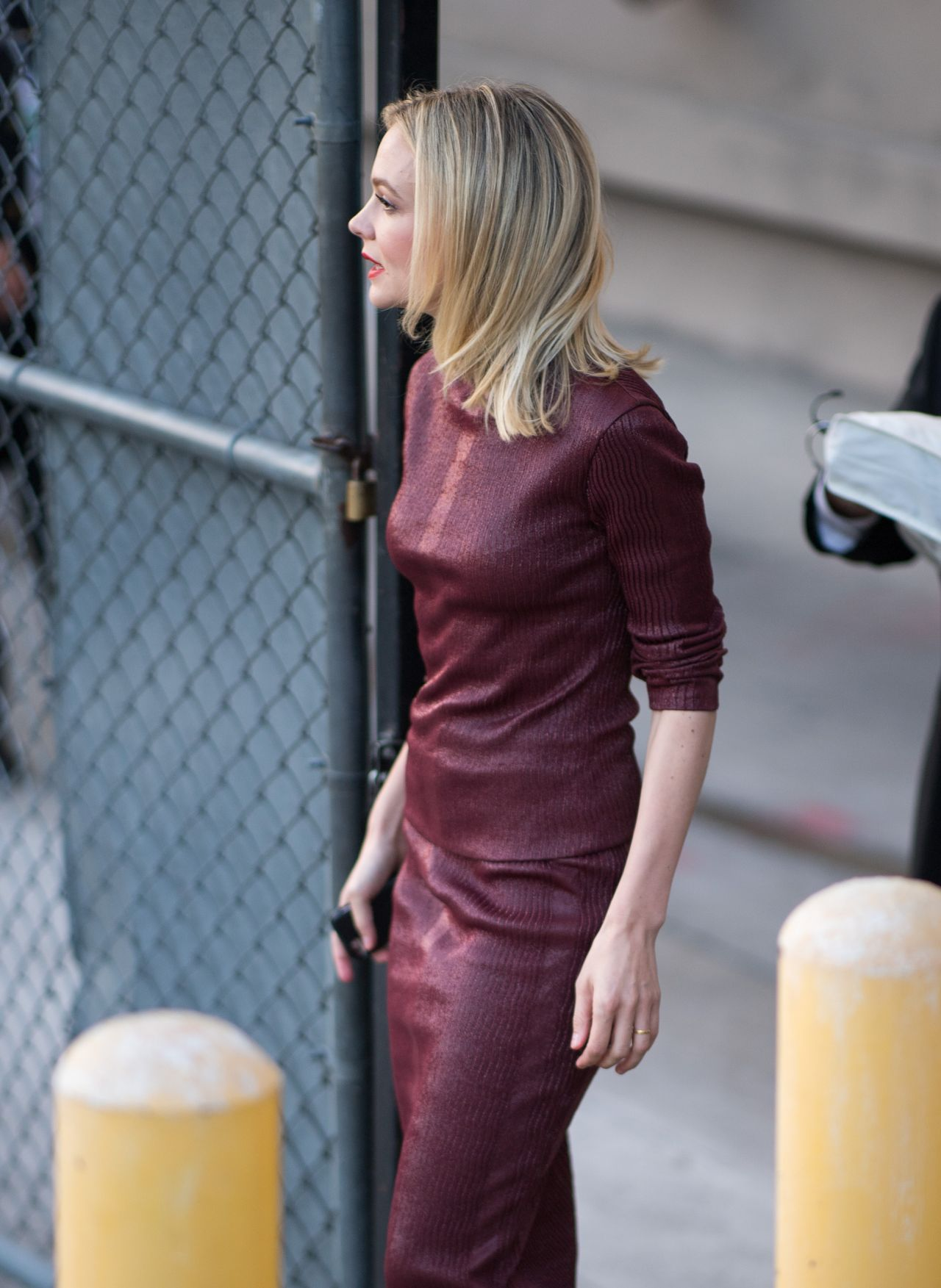 carey mulligan outside jimmy kimmel live in la 10242018