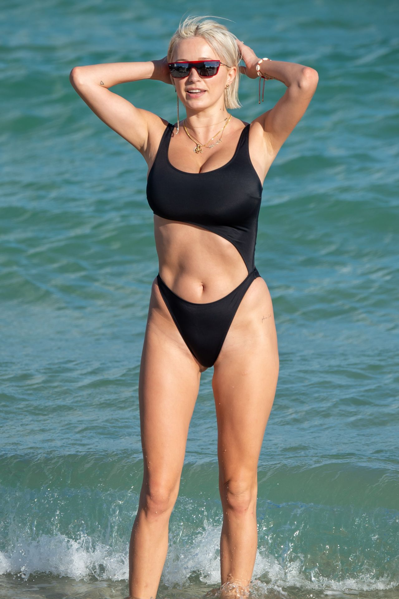 Paparazzi Caroline Vreeland naked (46 photos), Topless, Cleavage, Instagram, cleavage 2020