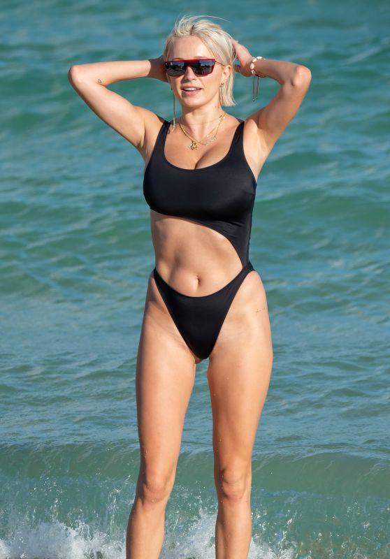Caroline Vreeland in Swimsuit - Miami Beach 10/28/2018