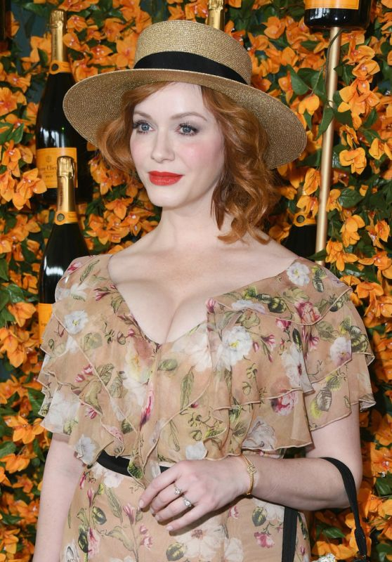 Christina Hendricks – 2018 Veuve Clicquot Polo Classic in LA