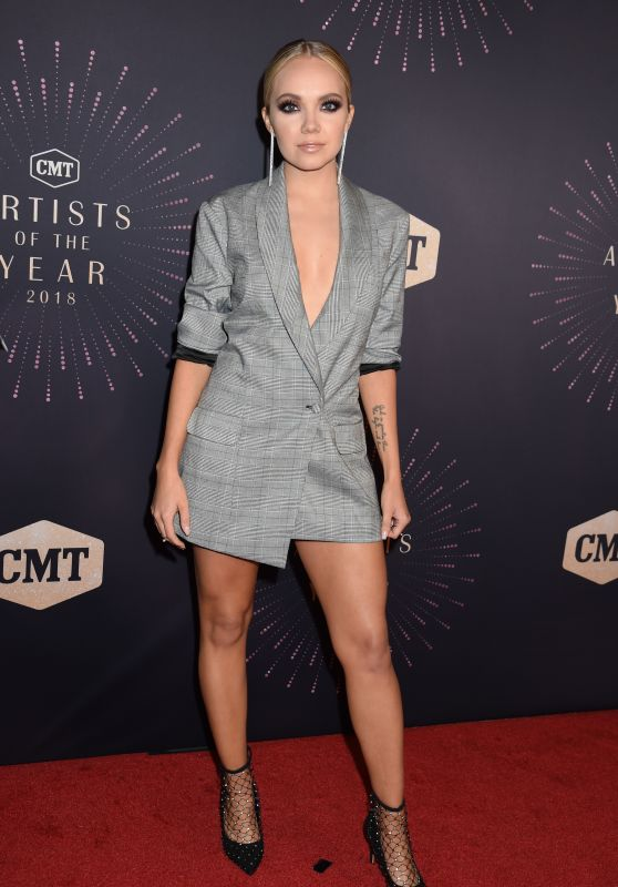 Danielle Bradbery – 2018 CMT Artists of the Year in Nashville