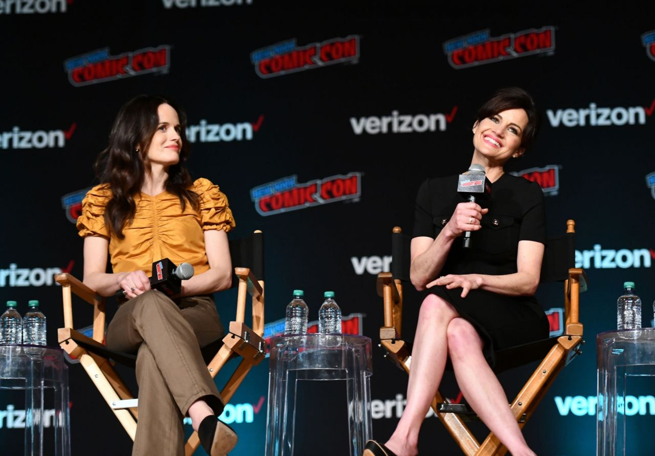 Elizabeth Reaser - Netflix & Chills Panel at NYCC 2018