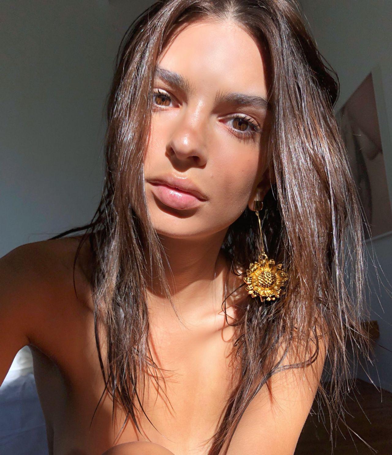 Emily Ratajkowski - Personal Pics 10/09/2018 • CelebMafia