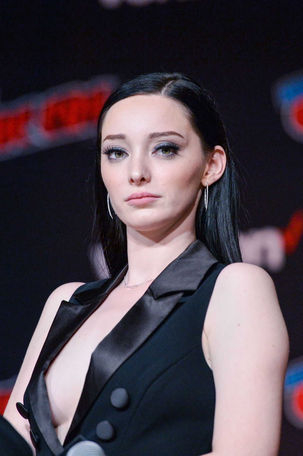 Pictures Emma Dumont nude photos 2019