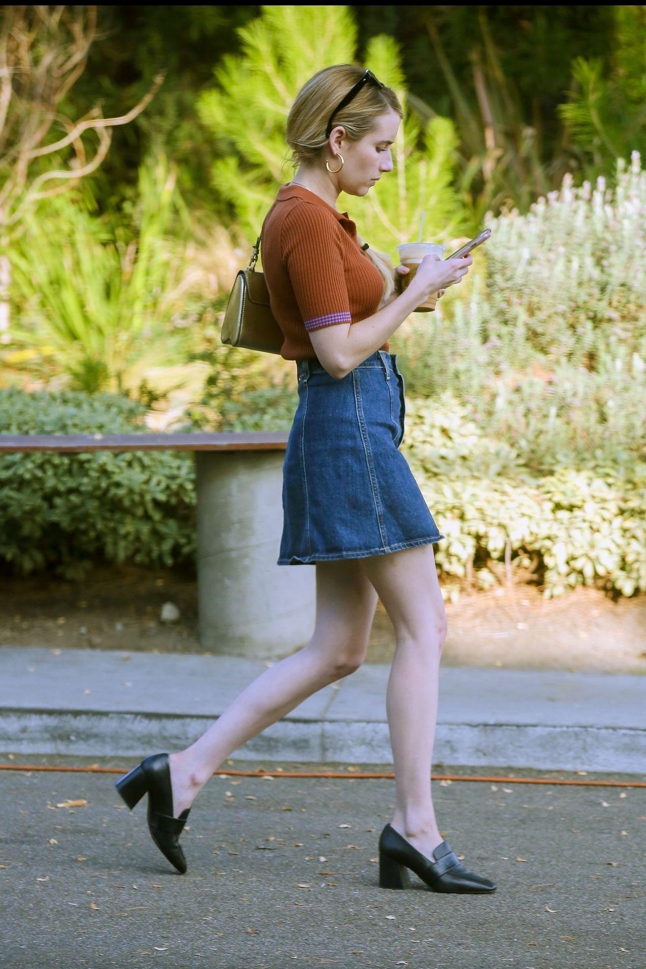 Emma Roberts Cute Street Style 10 22 2018