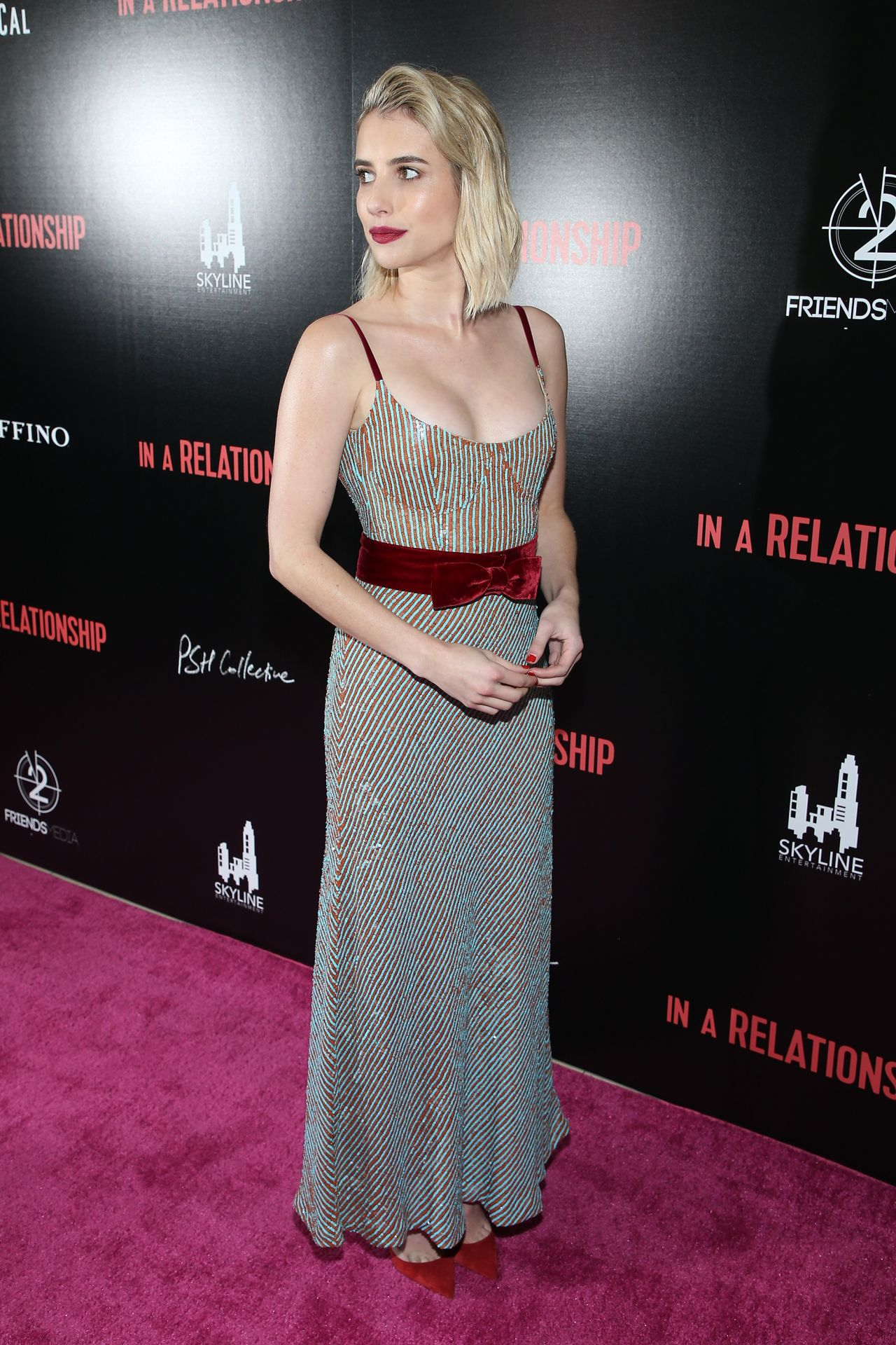 https://celebmafia.com/wp-content/uploads/2018/10/emma-roberts-in-a-relationship-premiere-in-west-hollywood-2.jpg