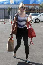 Evanna Lynch Arriving at the Dance Studio in LA 10/05/2018