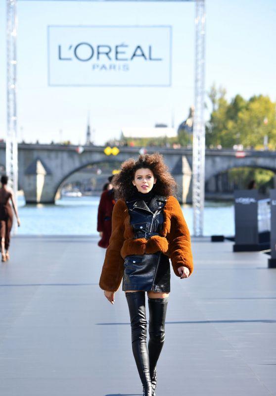Georgia Fowler Walks L'Oreal Fashion Show in Paris 09/30/2018