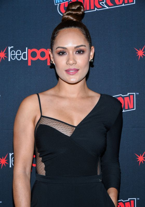 "Grace Byers - ""The Gifted"" TV Show Panel at NYCC 2018"