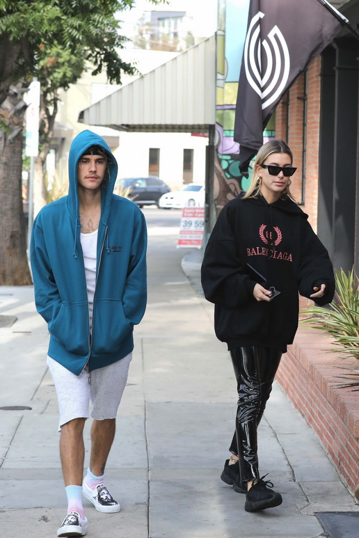 Hailey Baldwin and Justin Bieber - Outside Alfred's Coffee ... Naomi Watts