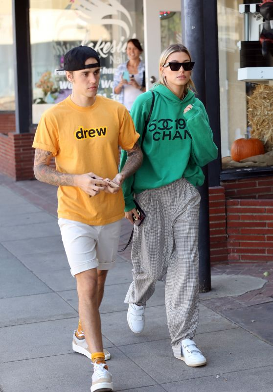 Hailey Baldwin and Justin Bieber Street Style - Los Angeles 10/23/2018