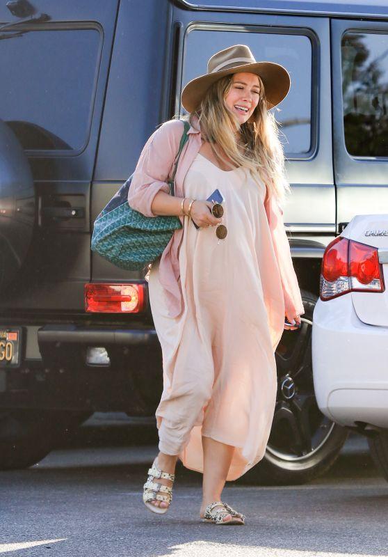 Hilary Duff - Out in LA 10/11/2018