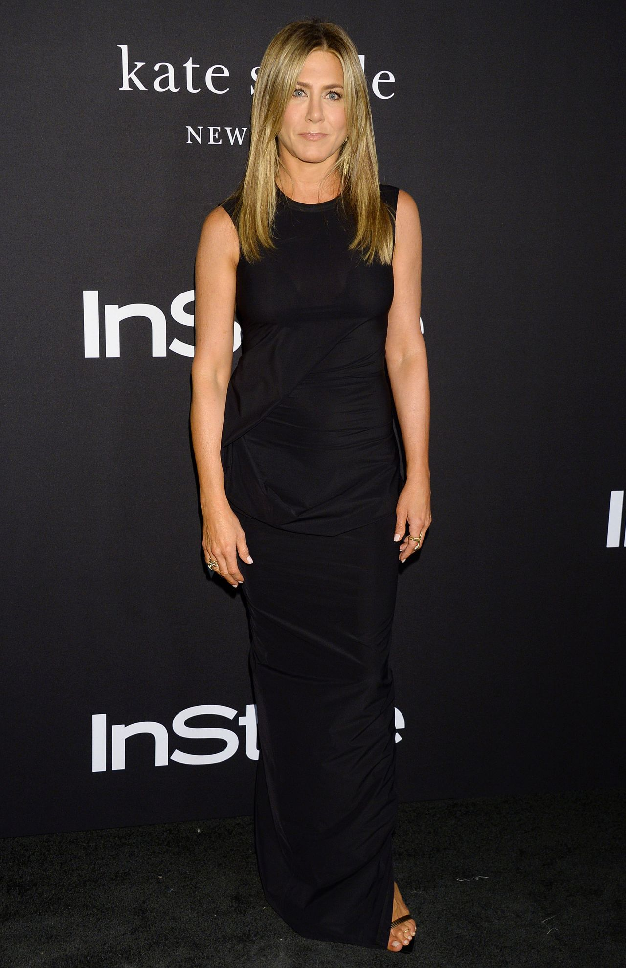 https://celebmafia.com/wp-content/uploads/2018/10/jennifer-aniston-2018-instyle-awards-2.jpg