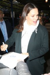 Jennifer Garner - Leaving the 92nd Street Y a Cultural and Community Center in NYC