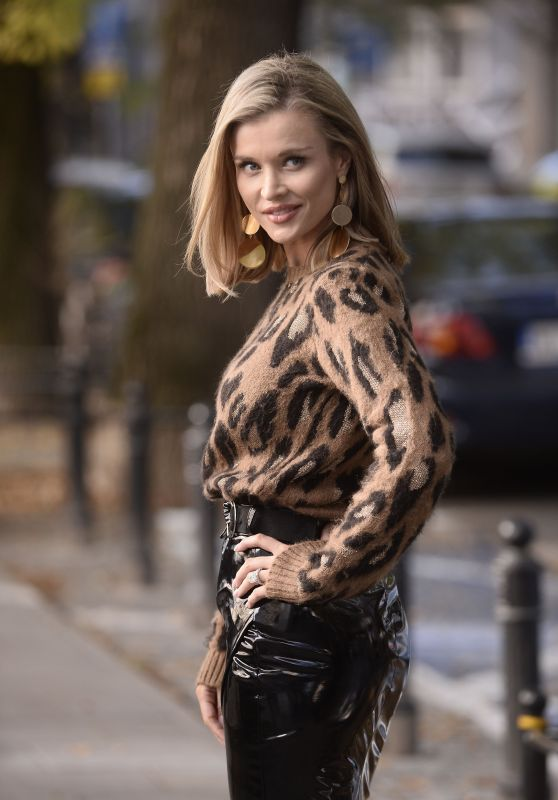 Joanna Krupa - Out in Warsaw 09/29/2018