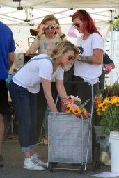 Jodie Sweetin at Farmer