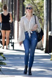 Julianne Hough in Tight Jeans - Los Angeles 10/04/2018