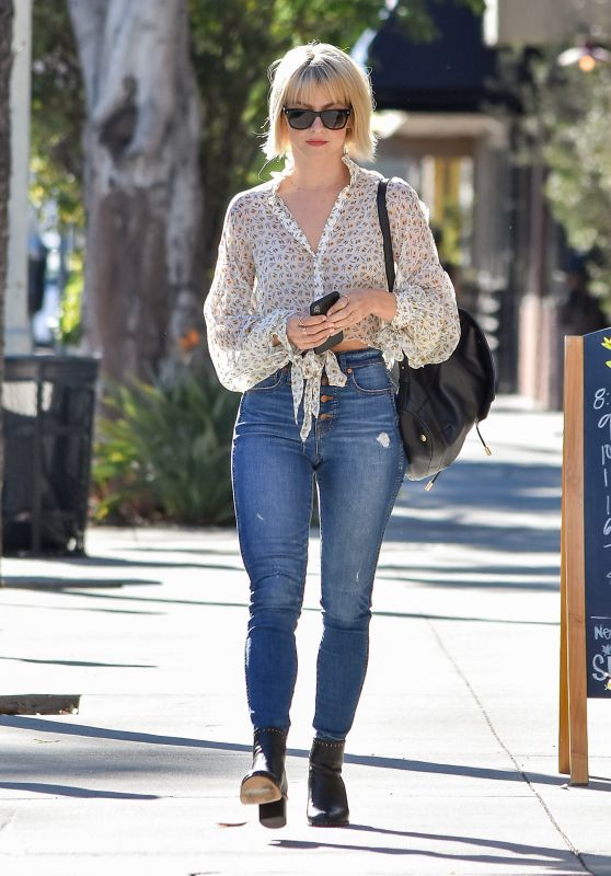 Julianne Hough in Tight Jeans - Los Angeles 10/04/2018