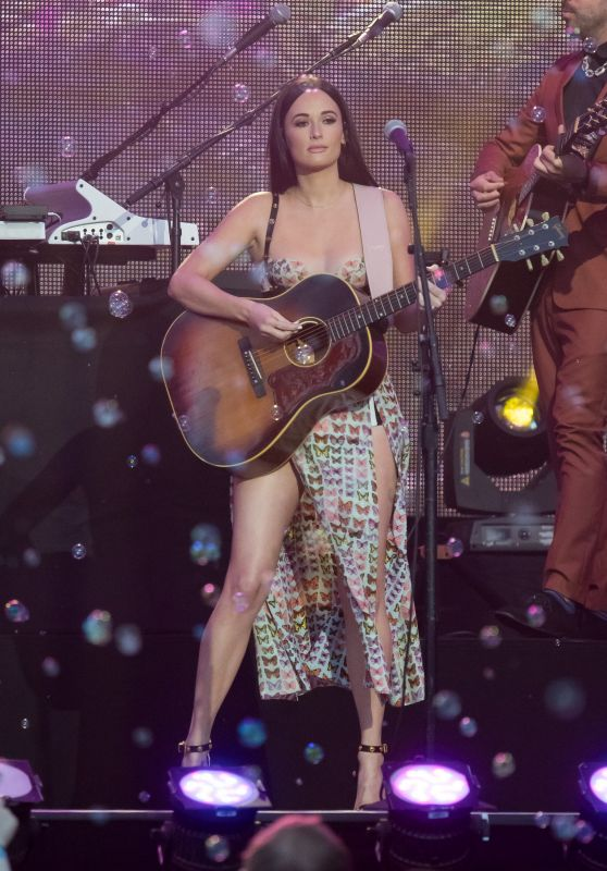Kacey Musgraves - Performance at Jimmy Kimmel Live in LA 10/02/2018