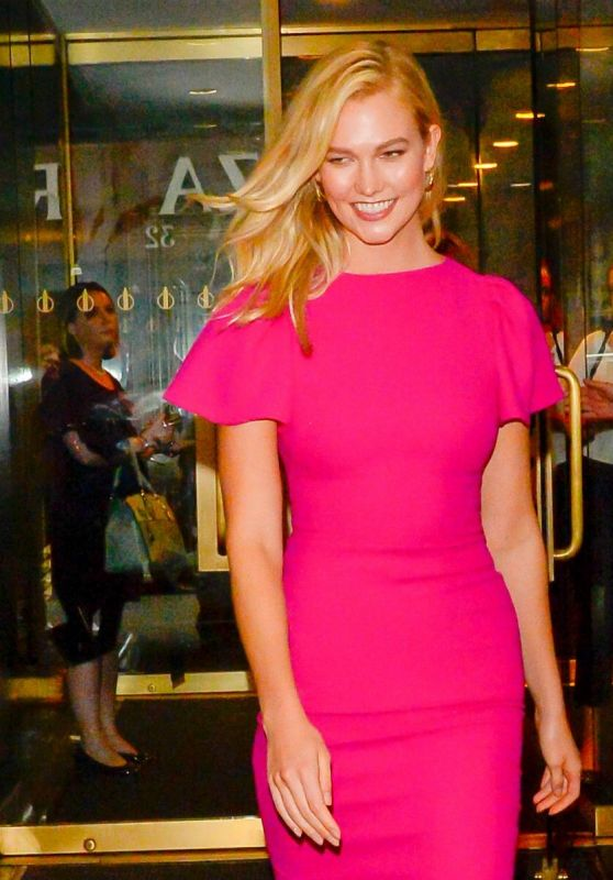 Karlie Kloss at the Today Show in NYC 10/11/2018
