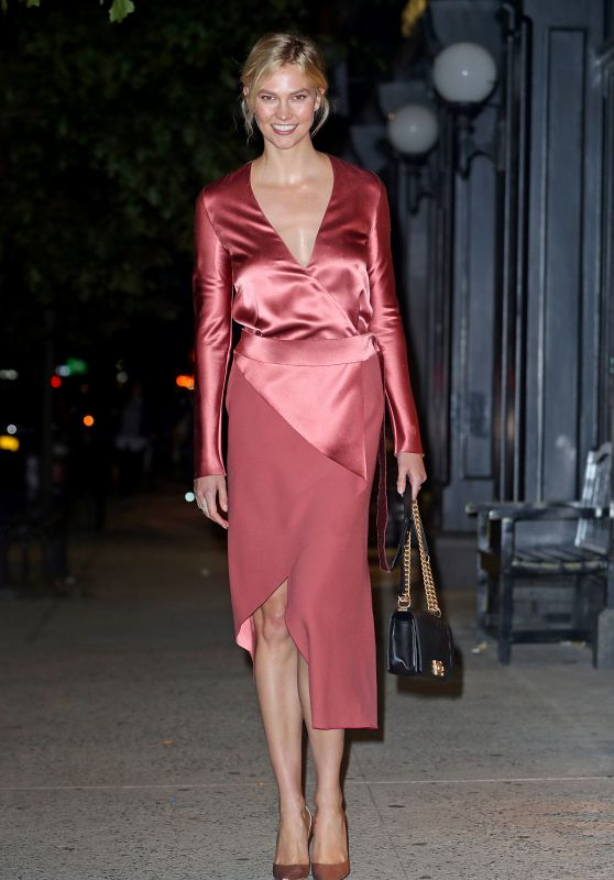Karlie Kloss in a Rose Satin Dress Out in NYC 10/16/2018