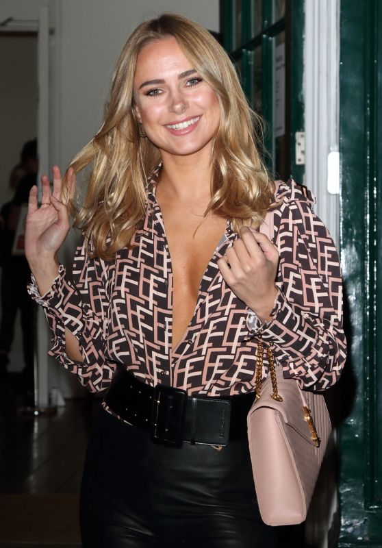 Kimberley Garner - Portr8's Three Mobiles VIP Gallery Launch in London 10/25/2018
