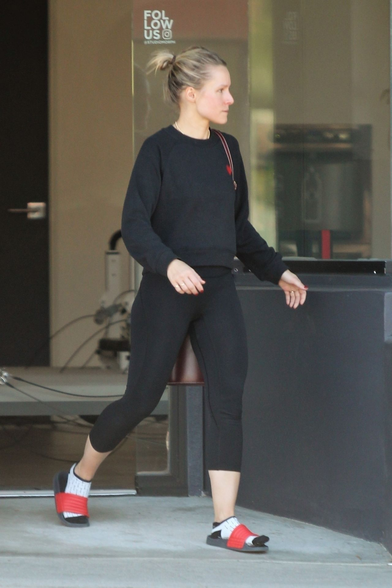 Kristen Bell At Her Pilates Workout Class In La 10 19 2018