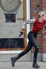 """Kristen Stewart - Filming """"Charlie's Angels"""" in Hamburg 10/11/2018"""
