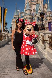 Lily Aldridge Visits Walt Disney World in Orlando 09/28/2018