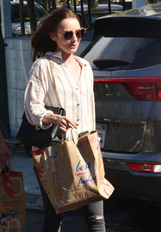 Lily Collins at Bristol Farms in Beverly Hills 10/01/2018