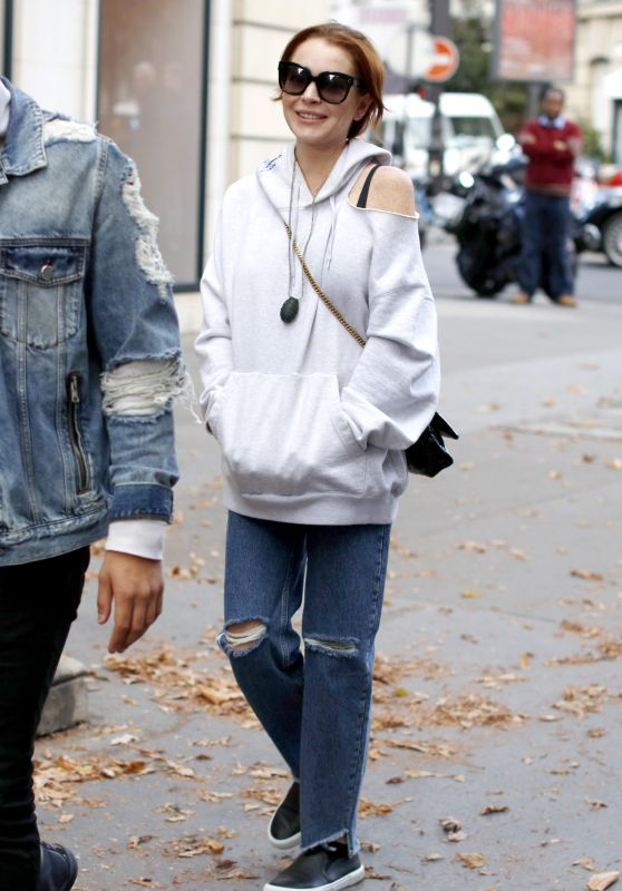 Lindsay Lohan - Out in Paris 10/01/2018