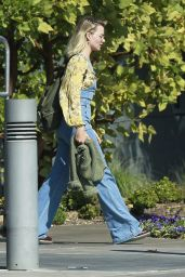 Margot Robbie in Casual Outfit 10/21/2018