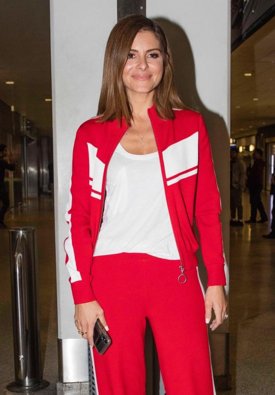 Maria Menounos in Travel Outfit at Athens Airport 10/03/2018