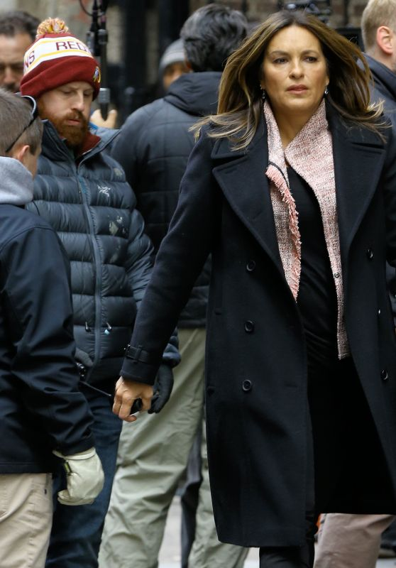 "Mariska Hargitay - ""Law & Order: Special Victims"" Set in Unit in Park Avenue 10/22/2018"