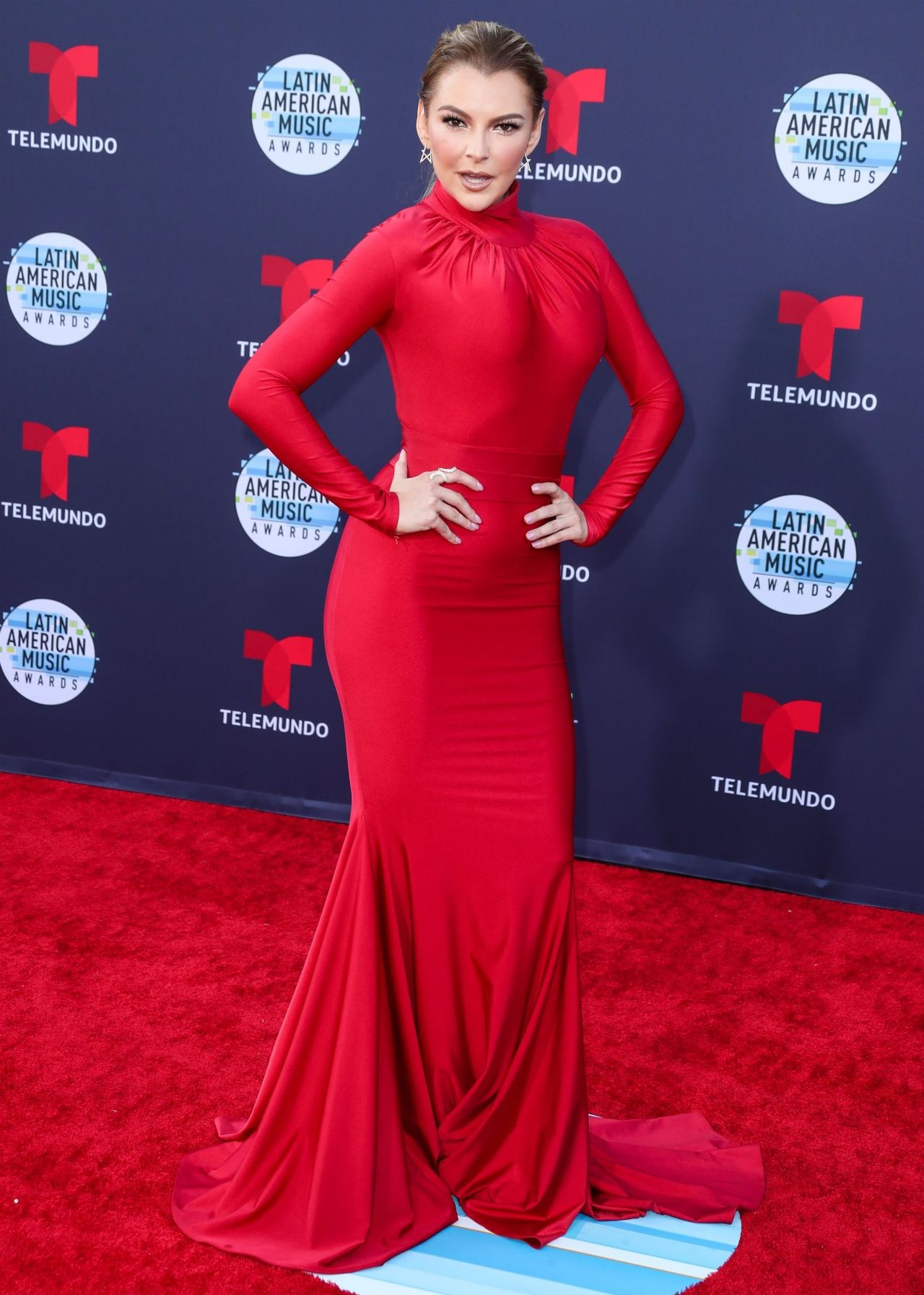 https://celebmafia.com/wp-content/uploads/2018/10/marjorie-de-sousa-2018-latin-american-music-awards-in-hollywood-0.jpg