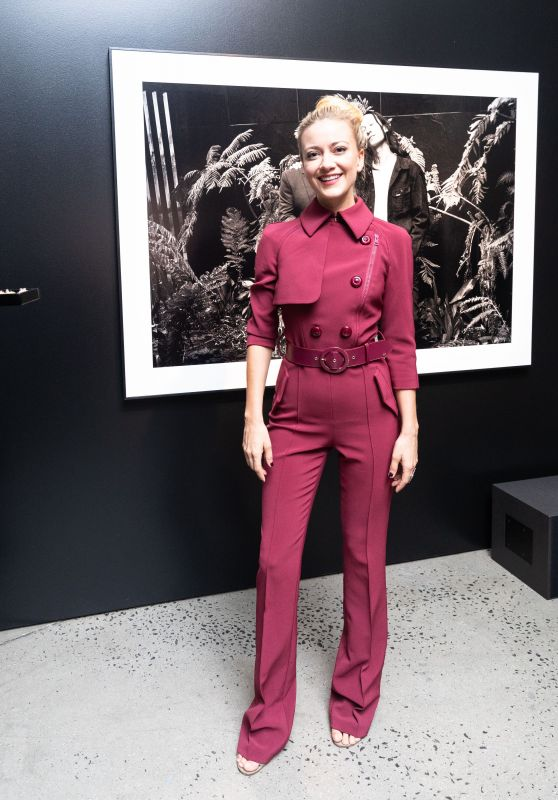 Meredith Hagner – Assemblage Lenny Kravitz Exhibition in NY 09/28/2018