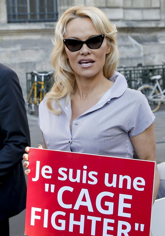 Pamela Anderson - Protests the Breeding of Animals in Cages in Paris 10/10/2018