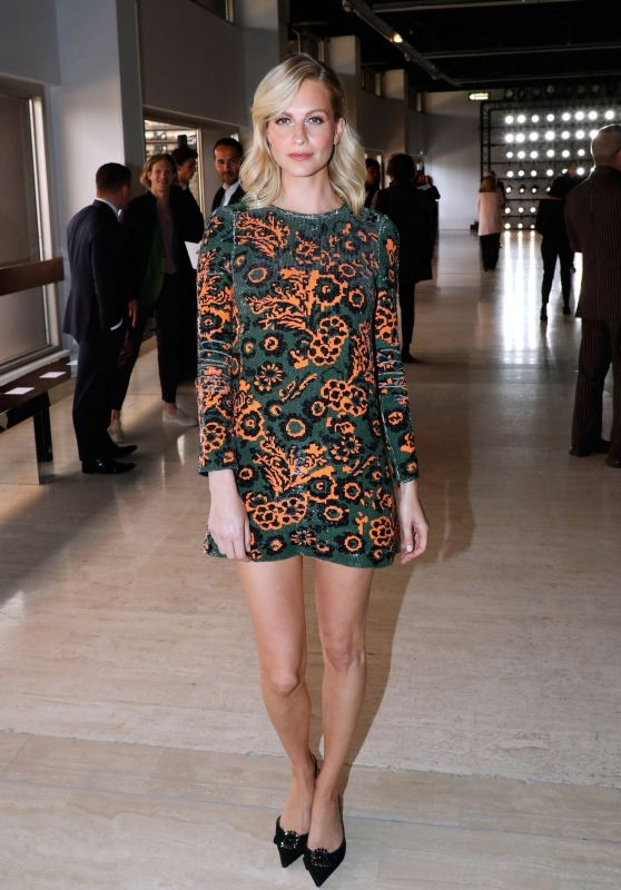 Poppy Delevingne - Giambattista Valli Show at Paris Fashion Week 10/01/2018