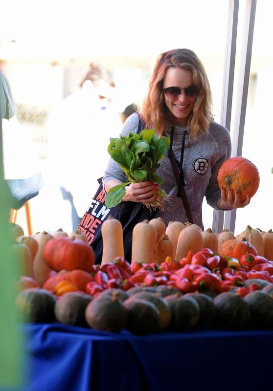 Rachel McAdams at the Farmer's Market in Los Angeles 10/08/2018