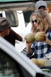 Rachel McAdams at the Farmers Market in LA 10/14/2018