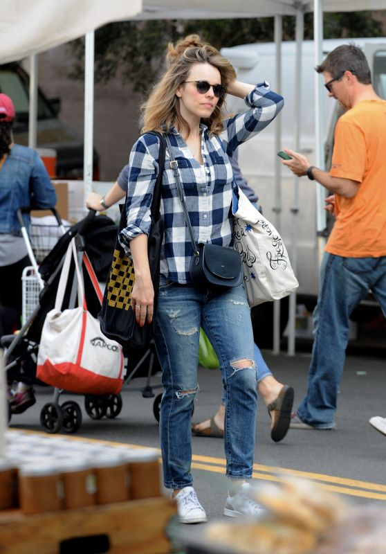 Rachel McAdams at the Farmers Market in LA 10/14/2018