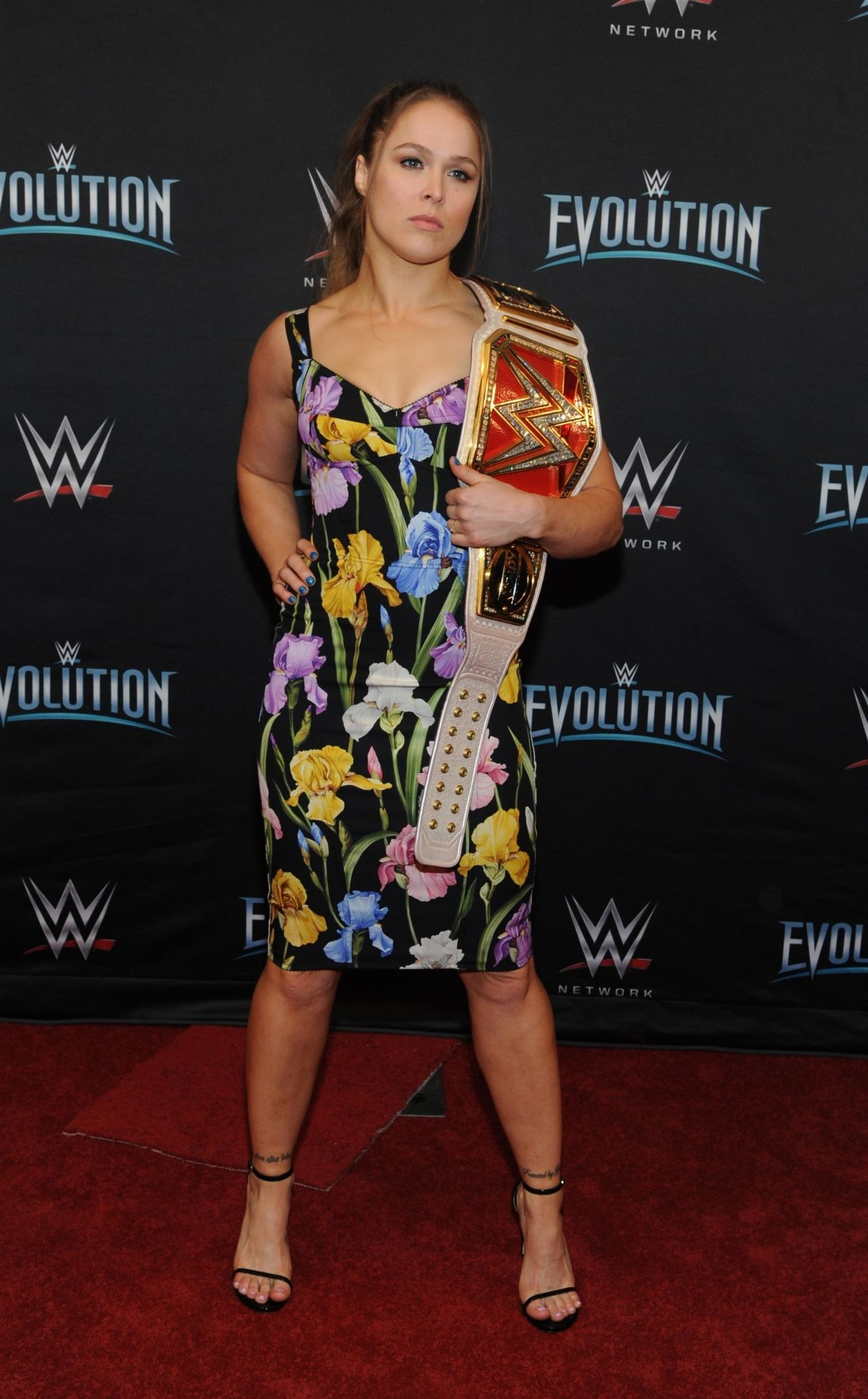 Ronda Rousey Wwe S First Ever All Women S Event