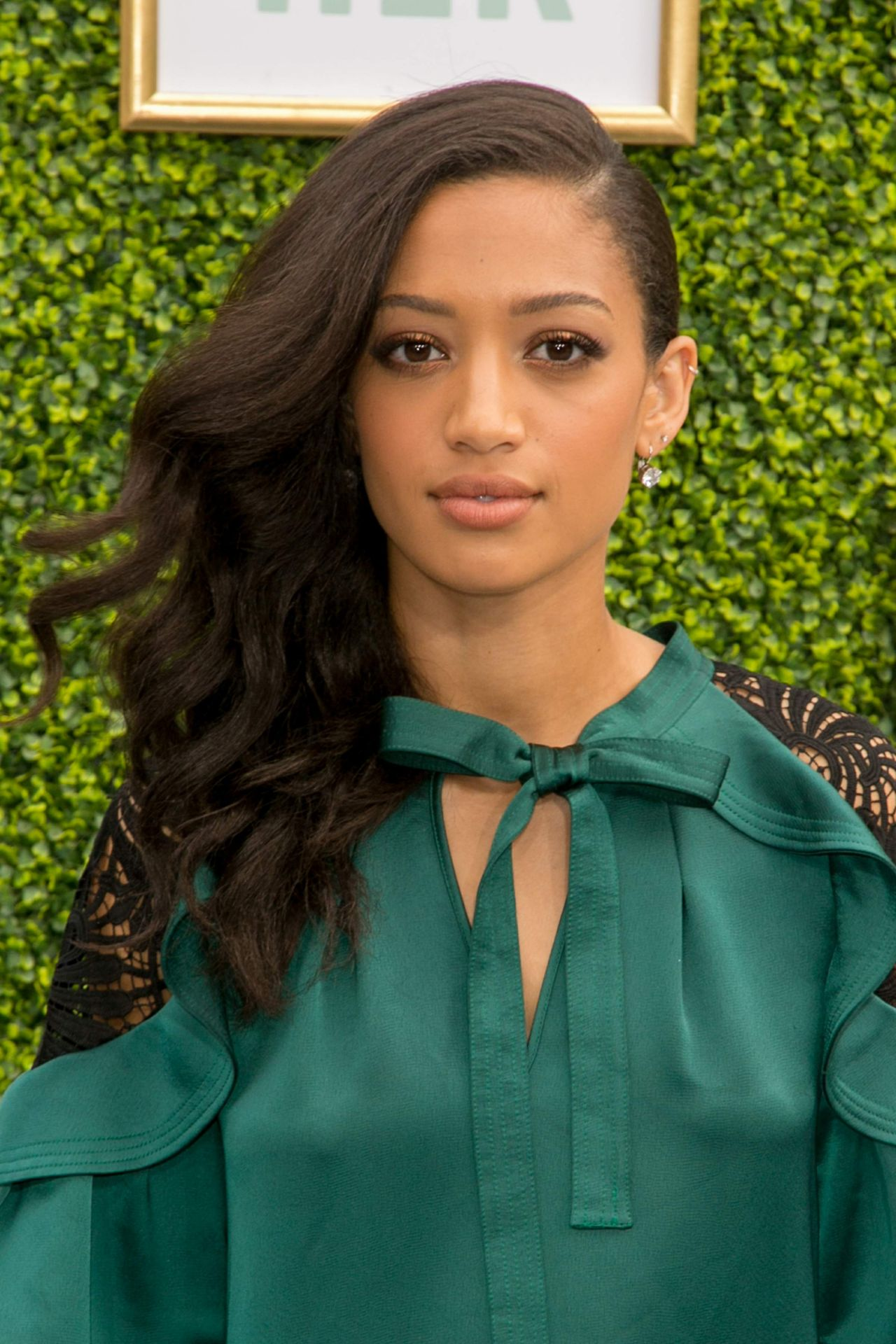 Watch Samantha Logan video