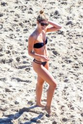 Shauna Sexton in a Strapless Black Bikini on the Beach in Malibu 10/06/2018