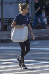 Sienna Miller Street Style - New York 10/03/2018