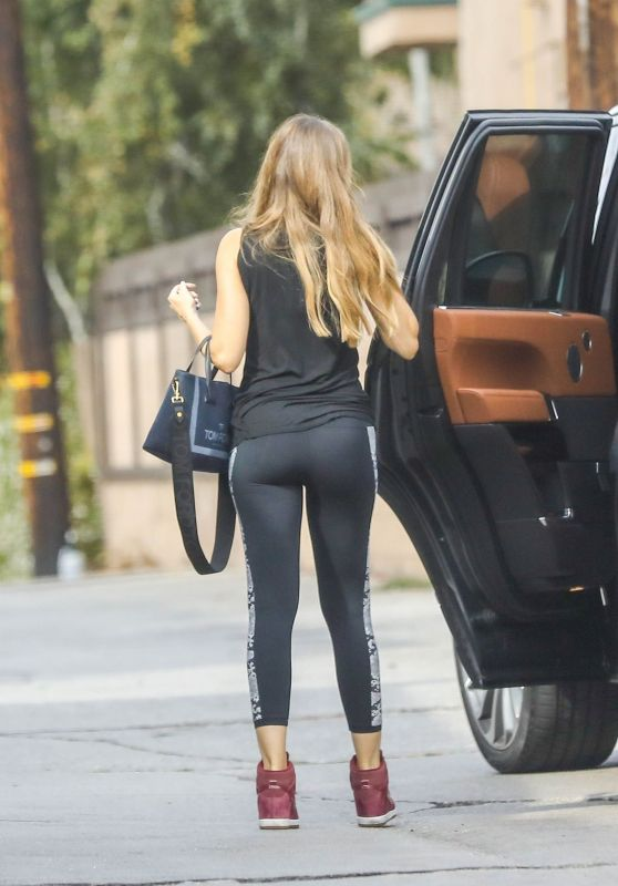 Sofia Vergara in Workout Gear at the Heart and Hustle Gym in West Hollywood 10/06/2018